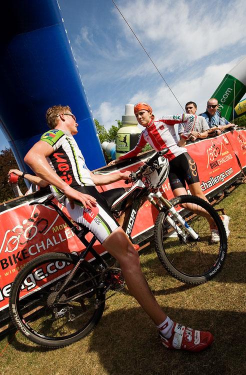 Maja Wloszczowska MTB Race - Jelenia G�ra 9.5. 2009 - Ji�� Friedl v dobr�m rozmaru s Majou