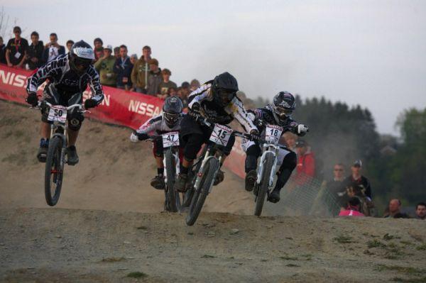 Nissan UCI MTB World Cup 4X #2 - Houfalize /BEL/ 1.-2. 5. 2009 - vlevo Jan Novák, uprostřed Matej Vitko