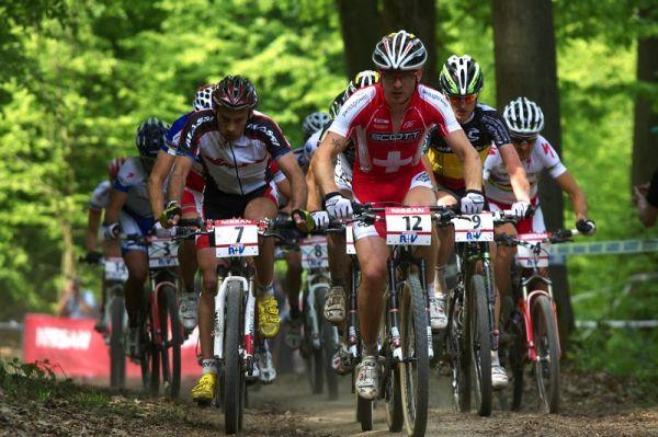 Nissan UCI World Cup #2 Offenburg /GER/ 25.4.2009, Florian Vogel vedl ve druhém kole skupinu