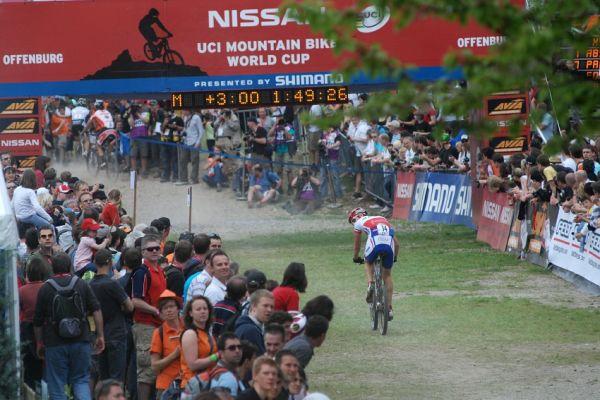 Nissan UCI World Cup #2 Offenburg /GER/ 26.4.2009 - Jaroslav Kulhavý dojíždí jedenáctý se ztrátou tří minut na Absalona