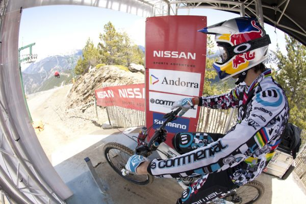 Nissan UCI World Cup 4X & DH Andora - Vallnord 2009: Gee Atherton /foto: Gary Perkin/