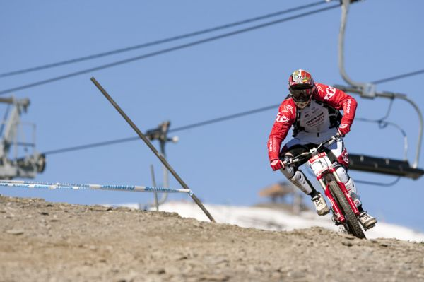 Nissan UCI World Cup 4X & DH Andora - Vallnord 2009: Steve Peat /foto: Gary Perkin/