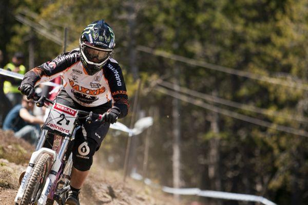 Nissan UCI World Cup 4X & DH Andora - Vallnord 2009: Sabrina Jonnier /foto: Gary Perkin/