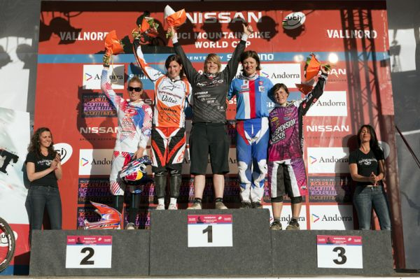 Nissan UCI World Cup 4X & DH Andora - Vallnord 2009: 1. Griffiths, 2. Buhl, 3. Horáková /foto: Gary Perkin/