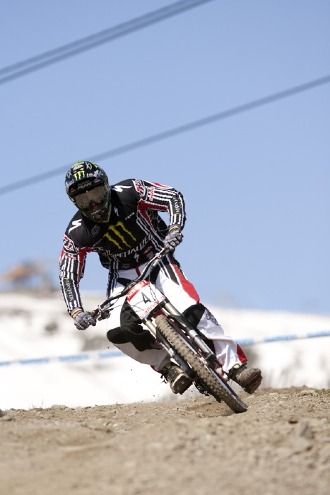 Nissan UCI World Cup 4X & DH Andora - Vallnord 2009: Sam Hill /foto: Gary Perkin/