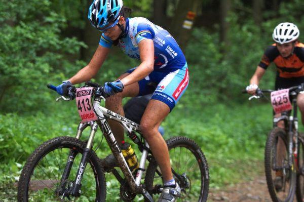 Český pohár Rock Machine XC MTB Cup 2009 - Bystřice pod Hostýnem 16.5. - Tereza Huříková v závěru závodu zrychlila a vybojovala stříbro