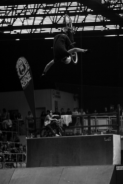 Bike Hall Contest 2009 - Michael Beran: Frontflip No Hander