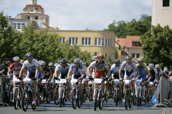Giant Berounský BikeMaraton 2009: start dlouhé trasy