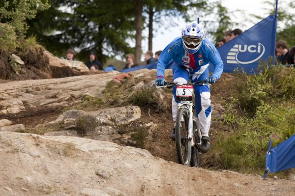 Nissan UCI World Cup DH & 4X #4 - Fort William /GBR/ 2009: Jana Horakova (photo: Gary Perkin)