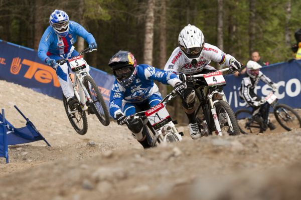 Nissan UCI World Cup DH & 4X #4 - Fort William /GBR/ 2009: Jill Kintner a Melisa Buhl (photo: Gary Perkin)