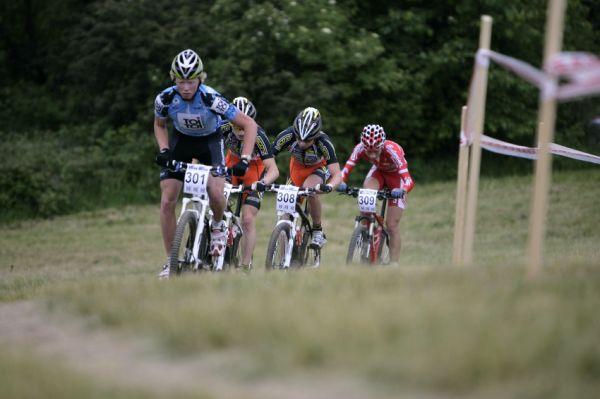 ČP MTB XC #3 2009 - Okrouhlá: čelo juniorů v prvním kole