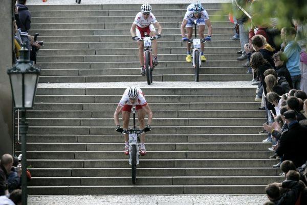 Pražské schody ČS 2009: Soukup, Sauser a Ježek na Zámeckých schodech