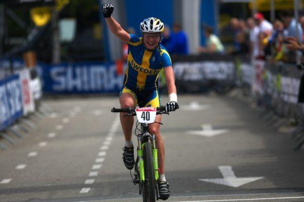 Mistrovství Evropy MTB XC 2009 - Zoetermeer /NED/ - U23: Alexandra Engen se raduje ze stříbra