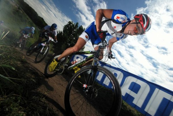 Mistrovstv� Evropy XC 2009 - Zoetermeer /NED/ - mu�i a �eny U23: Estonec Martin Loo jel p�kn� z�vod