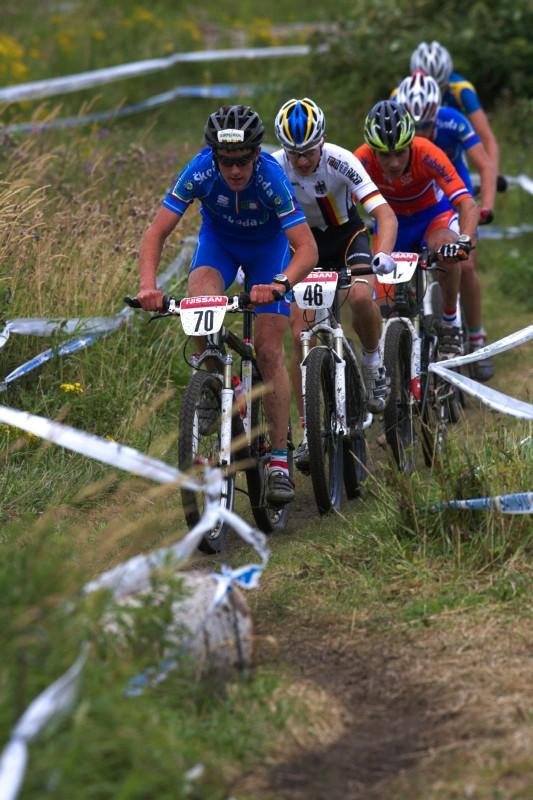 Mistrovství Evropy MTB XC 2009 - Zoetermeer /NED/ - juniorky & junioři: Gerhard Kerschbaumer vede nejlepší juniory
