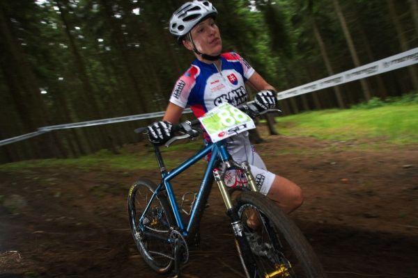 Merida Bike Vysočina 2009 - XCO - Janka Števková už v tuto chvíli ví, že na vítězství to nebude