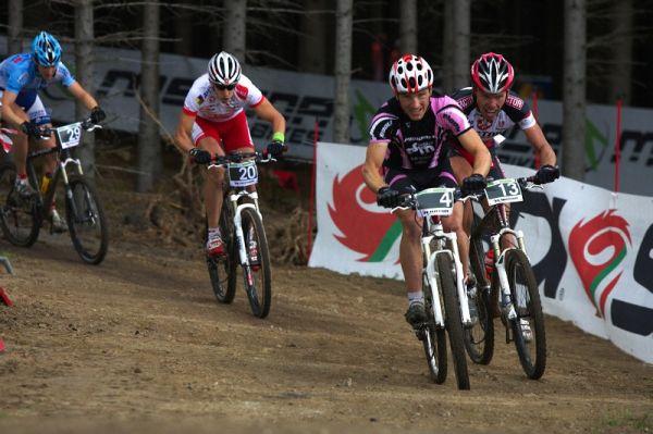 Merida Bike Vysočina 2009 - sprint - Kamil Ausbuher a Tomáš Vokrouhlík se perou o první pozici