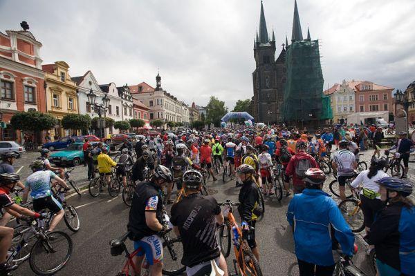 KPŽ Manitou Železné hory 2009 - 50km: cca 800 lidí na startu
