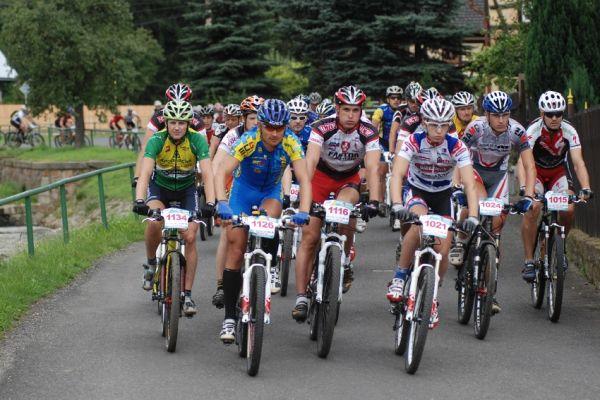 Český pohár XCM #4 2009 - RWE Okoloústí: start 90 km trati