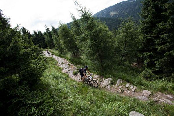 Bikechallenge 2009 - v každé etapě bylo několik exkluzivních single trailů