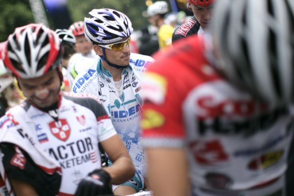 Mistrovství ČR MTB XC 2009 - Karlovy Vary: Zdeněk Štybar na startu v dobré náladě