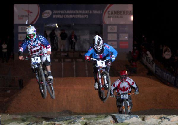 Mistrovství světa MTB 4X 2009 - Canberra /AUS/ - osmifinále, souboj sedmnáctiletých se 14kou Mitch Ropelato, s 19kou Jakub Říha