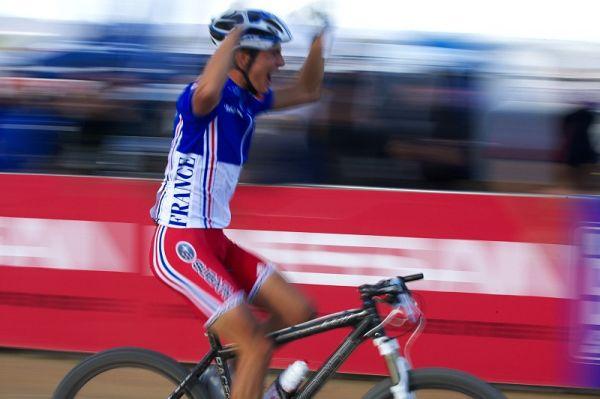 Mistrovství světa MTB XC 2009, Canberra /AUS/ - Alexis Vuillermoz se raduje ze stříbra