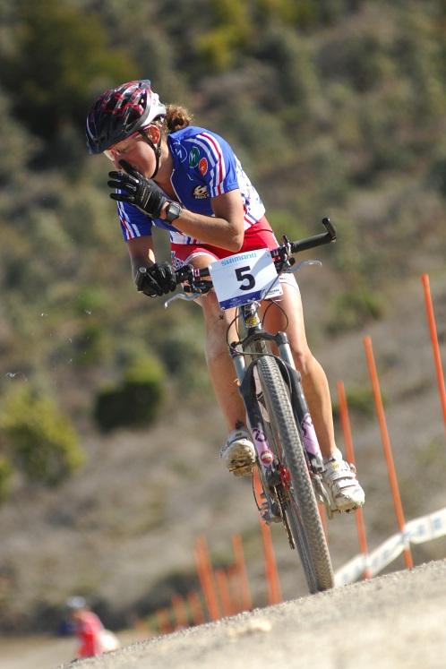 Mistrovství světa MTB XC 2009 - ženy U23: Julie Bresset v posledním kole - smrkající a bez pedálu!
