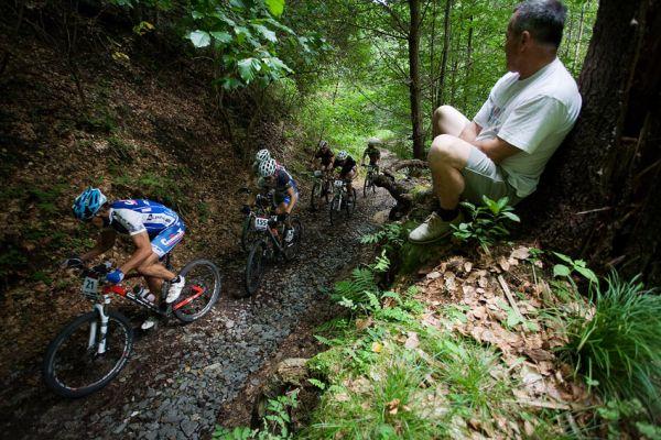 Bakovský maraton 2009 - nový úsek v lese
