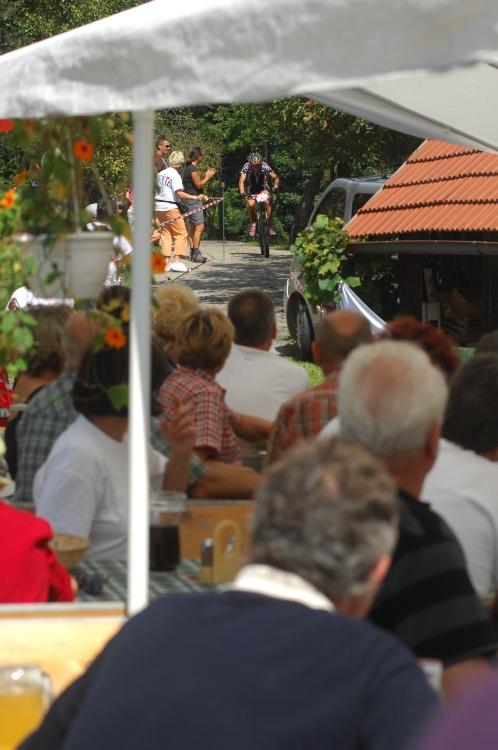 Mistrovství světa v MTB maratonu 2009 - Graz /AUT/: průjezd vinicemi