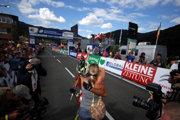 Mistrovství světa v MTB maratonu 2009 - Graz /AUT/: Alban Lakata v cíli