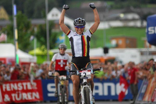 Mistrovství světa v MTB maratonu 2009 - Graz /AUT/: Sabine Spitz poráží Esther Suss
