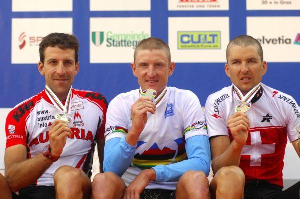 Mistrovství světa v MTB maratonu 2009 - Graz /AUT/: 1. Paulissen, 2. Lakata, 3. Sauser