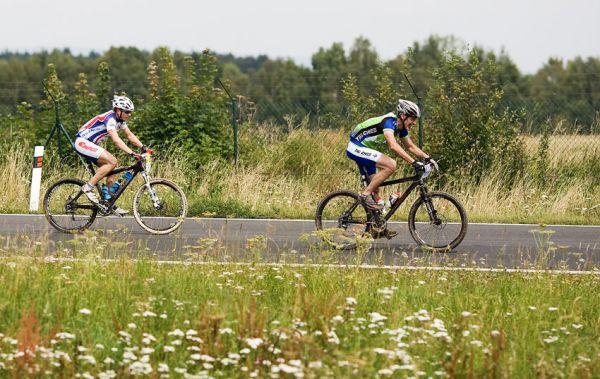KPŽ AM bikemaraton ČS Karlovy Vary 2009 - silnice u letiště