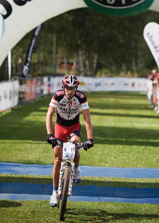KPŽ AM bikemaraton ČS Karlovy Vary 2009 - vítězný Robert Novotný - jako by se nechumelilo...