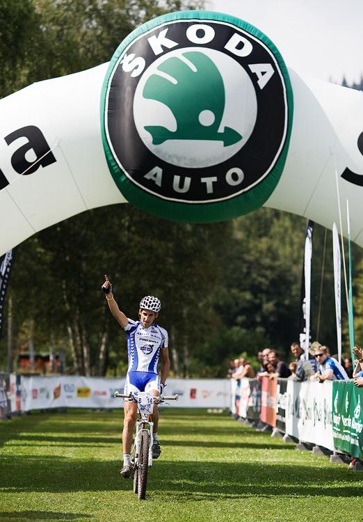 KPŽ AM bikemaraton ČS Karlovy Vary 2009 - velká radost pro Honzu Fojtíka za 2. místo na 50 km
