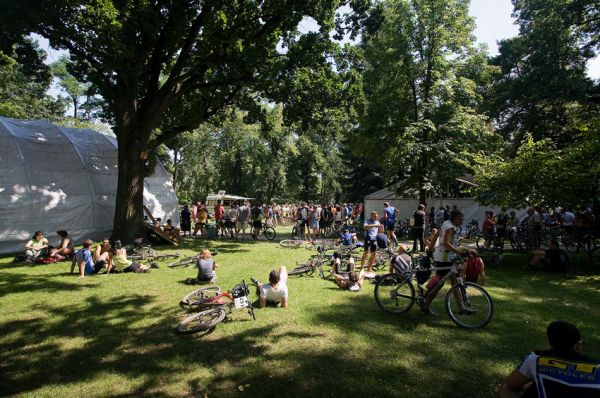 Podkrkonošský maraton 2009 - pohodička v zámeckém parku