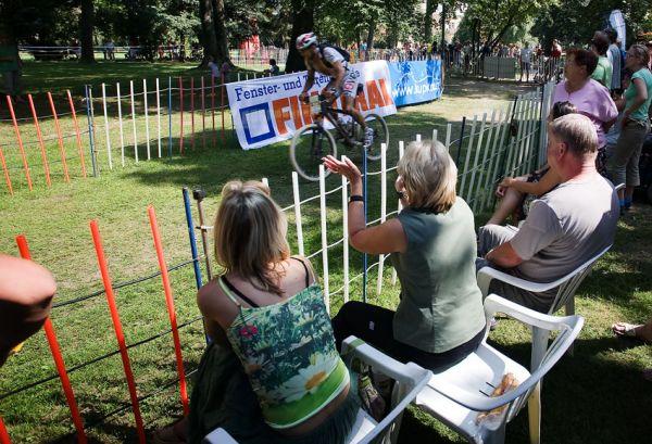 Podkrkonošský maraton 2009 - lázenští fanoušci