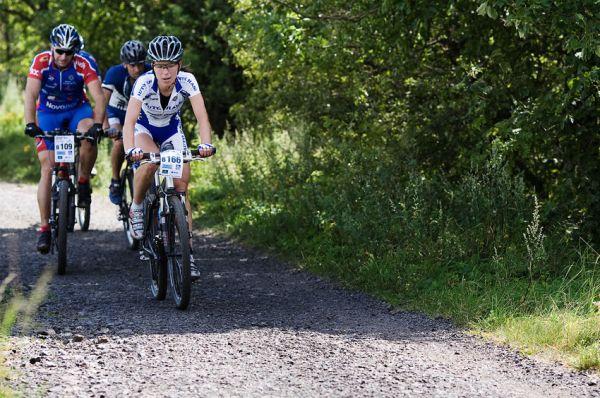 KPŽ Ještěd Tour 2009 - Petra Kottová jako první žena vyjíždí na Rašovku