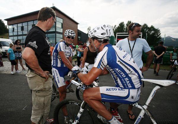 KPŽ Ještěd Tour 2009 - Ivan Rybařík s Ondrou Fojtíkem v cíli