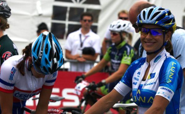 Nissan UCI MTB World Cup XCO #6 - Bromont /KAN/ 2.8. 2009 - Katka Nash hned vedle Terezy Huříkové