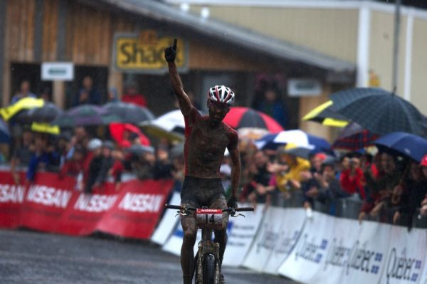 Nissan UCI MTB World Cup XCO #6 - Bromont /KAN/ 2.8. 2009 - Geoff Kabush a jeho první pohárový triumf