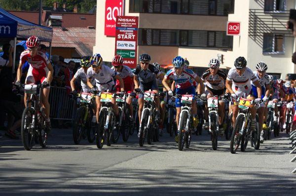 Nissan UCI MTB World Cup XCO #8, Schladming 19.9. 2009 - 11:15 a první metry závodu žen