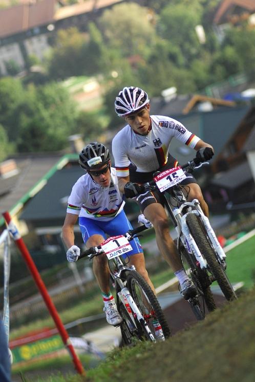 SP XC Schladming /AUT/ 19.9.2009 - junioři & juniorky: Němec Julian Schelb a Ital Gerhard Kerschbaumer