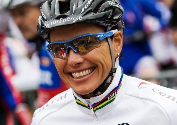 SP XCO Champéry 2009 ženy - stále usměvavá Sabine Spitz