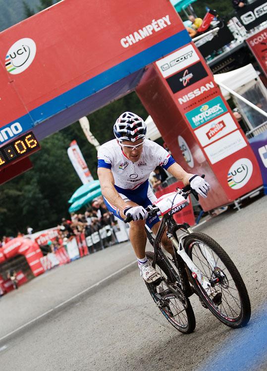 SP XCO Champéry 2009 - Julien Absalon dojel druhý naprosto vyčerpán