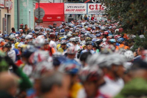 Mistrovství ČR v MTB maratonu - Specialized Rallye Sudety '09: před startem