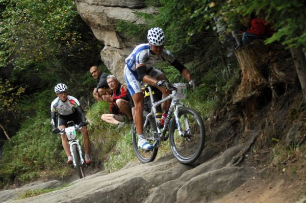 Mistrovstv� �R v MTB maratonu - Specialized Rallye Sudety '09: Ivan Ryba��k a Jan Job�nek na druh�m a t�et�m m�st�