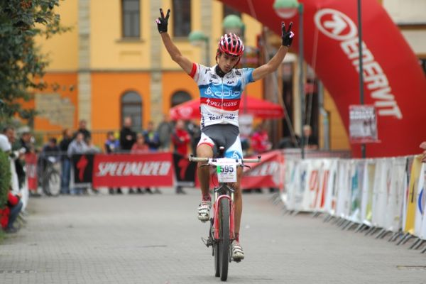 Mistrovstv� �R v MTB maratonu - Specialized Rallye Sudety '09: Jirka Nov�k doj�d� na druh�m m�st�