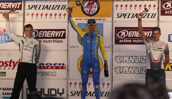 Mistrovstv� �R v MTB maratonu - Specialized Rallye Sudety '09: kone�n� po�ad� �P XCM 1. Hru�ka, 2. Job�nek 3. Sedl��